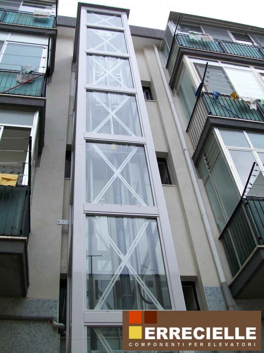 Piattaforma elevatrice per disabili lupiae - Costo ascensore interno 3 piani ...